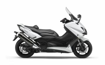 Rent Yamaha T-MAX 500cc